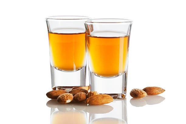 amaretto bebidas tipicas italianas almeria